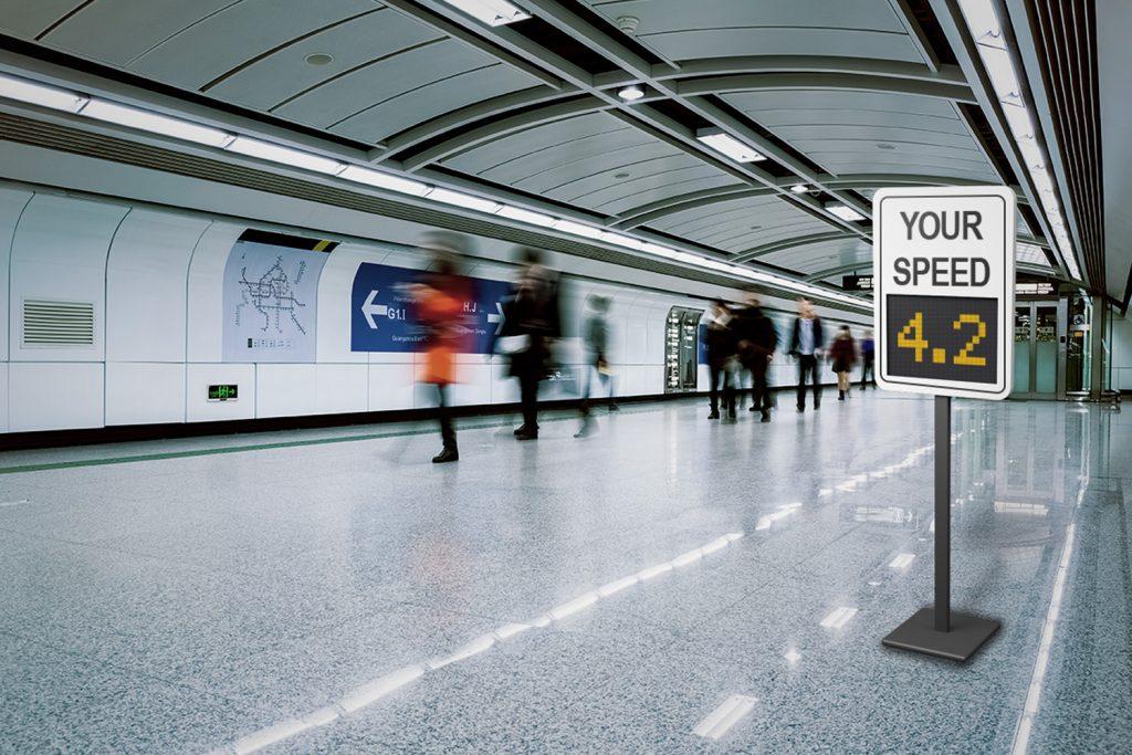 Speed tracker sign